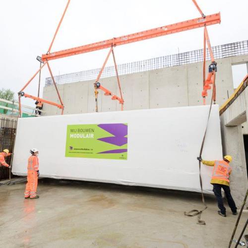 plaatsen TTI's in dienstgebouw Corbulotunnel RijnlandRoute